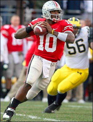 This picture marks the one and only occasion in which a Michigan player actually got within 8 feet of Troy Smith