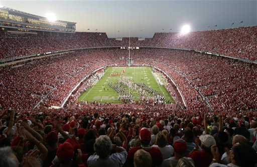 Welcome to The Shoe (at night).